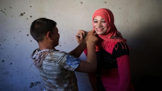 أحمد وتالا تزوجا في الـ 15 والـ 14 والفقر ثالثهما موقع صيدا تي في Saida Tv